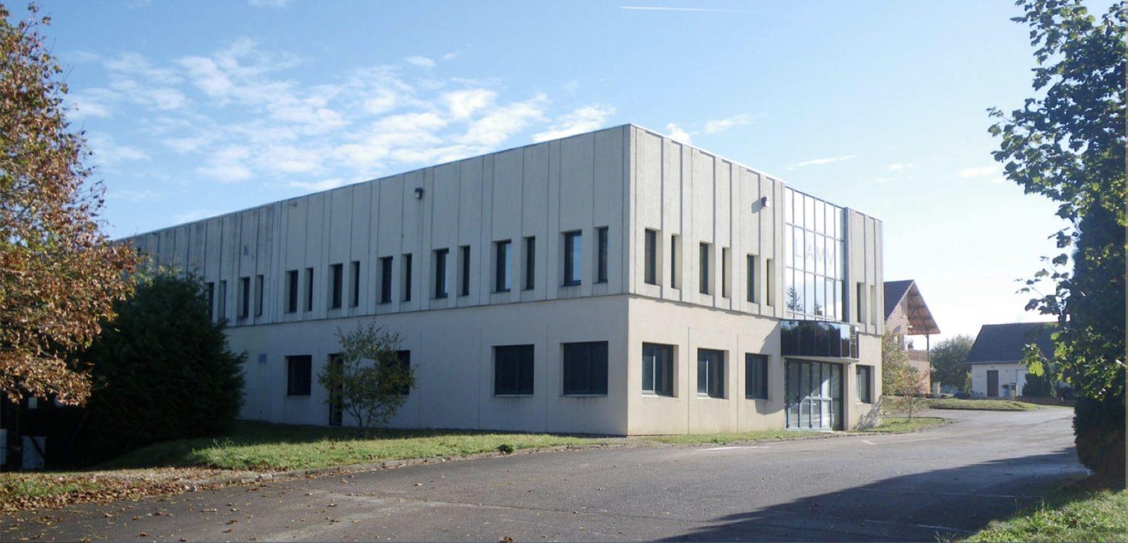 Location locaux ateliers Jura 980m2