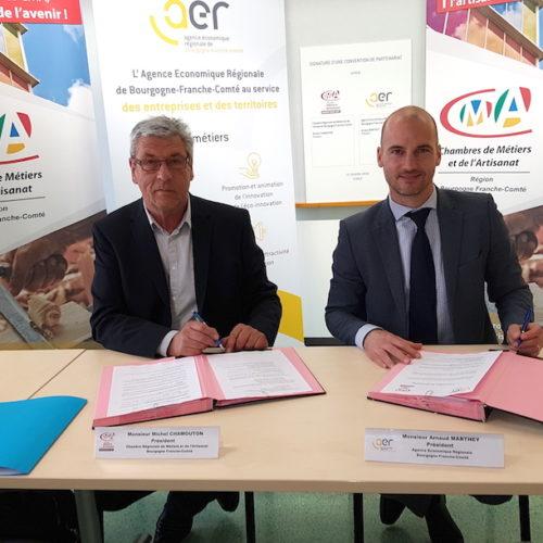 Signature d'une convention de partenariat entre l'AER BFC et la CRMA BFC